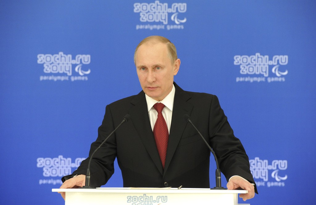 Russlands president Vladimir Putin snakket søndag kveld med president i USA, Barack Obama. Han hevdet at folkeavstemningen på Krim var lovlig.