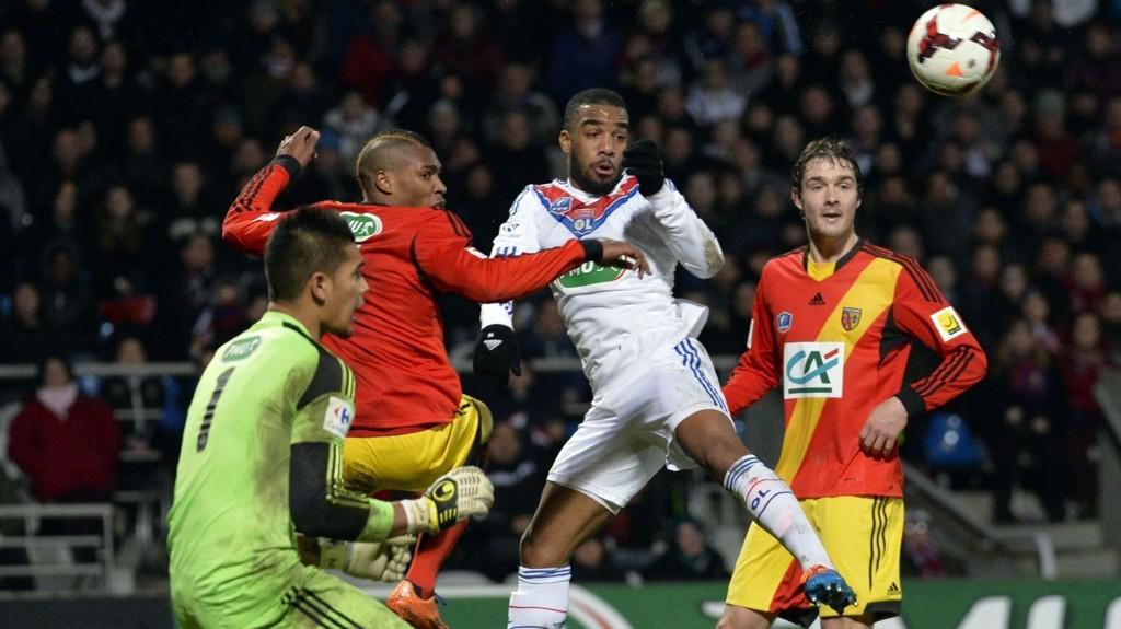 Lens vinner det meste på bortebane om dagen, og har blant annet slått ut Lyon av cupen på Stade de Gerland (bildet). Men på bortebane har det ikke blitt seier på de siste fem forsøkene.