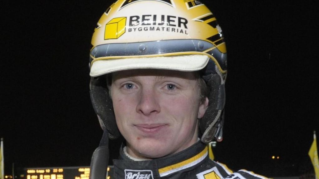 Mattias Djuse har vunnet 9 løp på 100 starter i år. Han er vår bankerkusk i kveld.