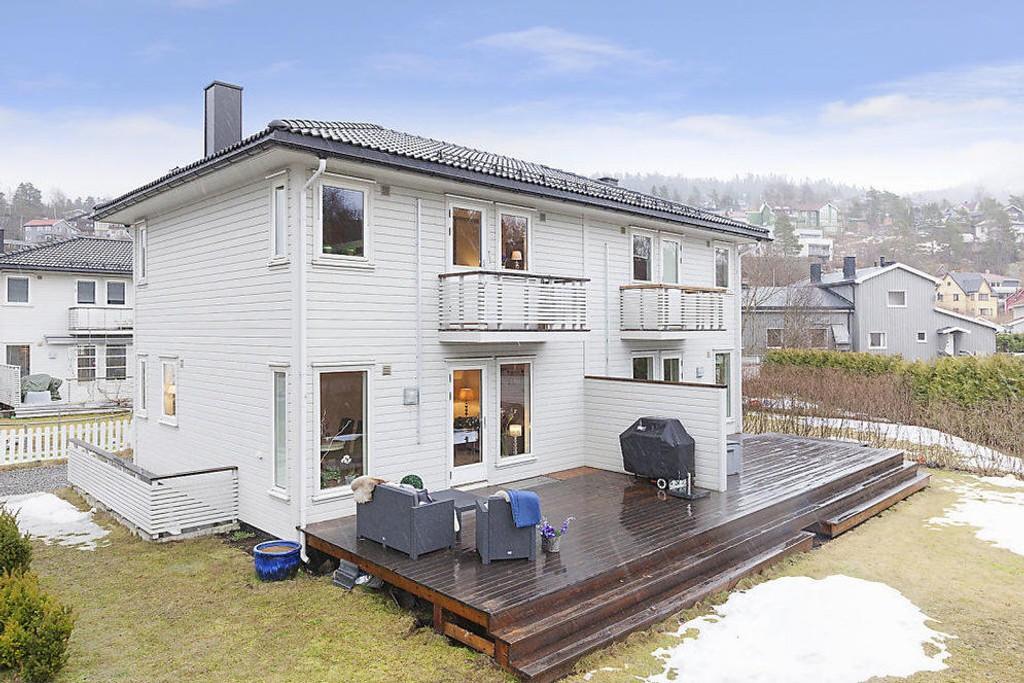 POPULÆRT: Halvparten av tomannsboligen i Midtoddveien på Kjelsås gikk for mer enn 700.000 kroner over prisantydningen på 6.500.000 kroner.