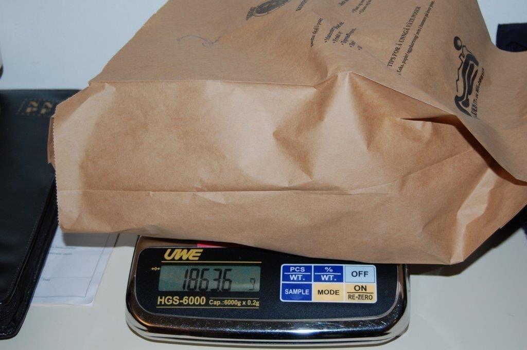 Tollerne på Svinesund fant to slike pakker med kokain hos en albaner som sa han skulle besøke en tidligere kjæreste i Oslo.