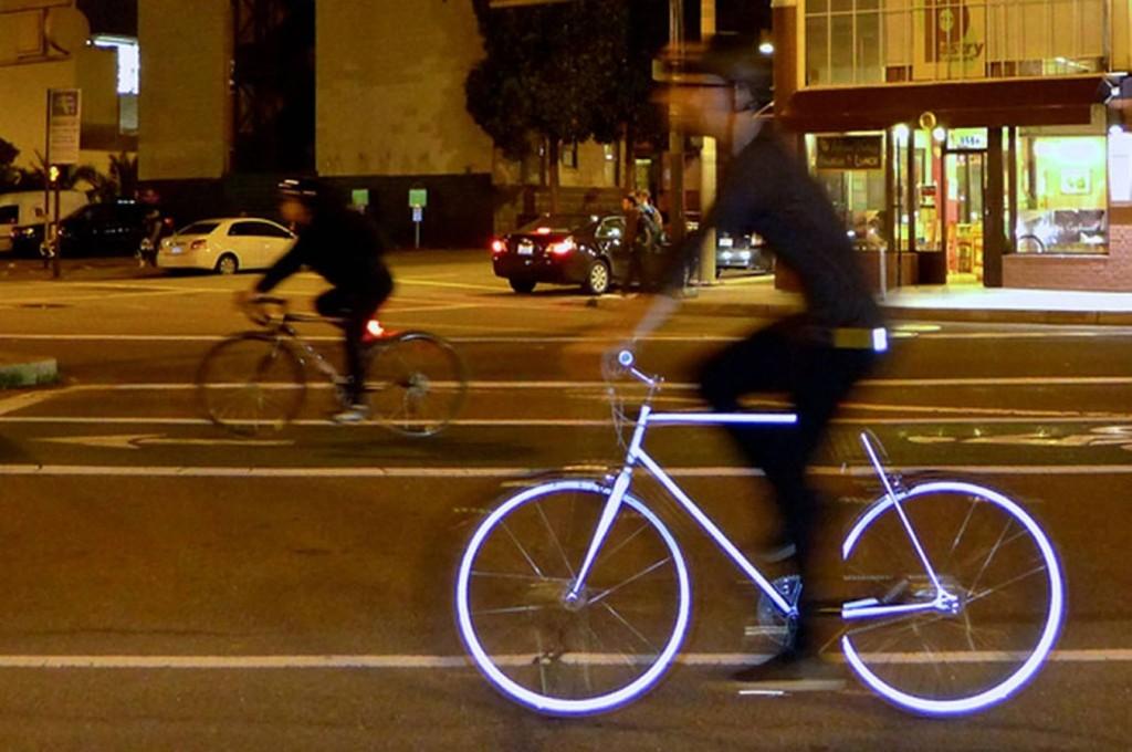 Sykkelen, eller bare sykkelrammen (du kan velge), vil ha hundretusenvis av bitte små reflekser.