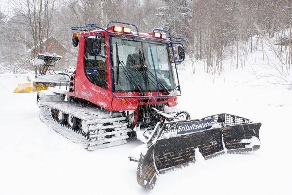 En løypebas i Skiforeningen er bekreftet omkommet etter en ulykke fredag 21. mars. Maskinen på bildet har ingenting med den omtalte ulykken å gjøre. ILLUSTRASJONSFOTO