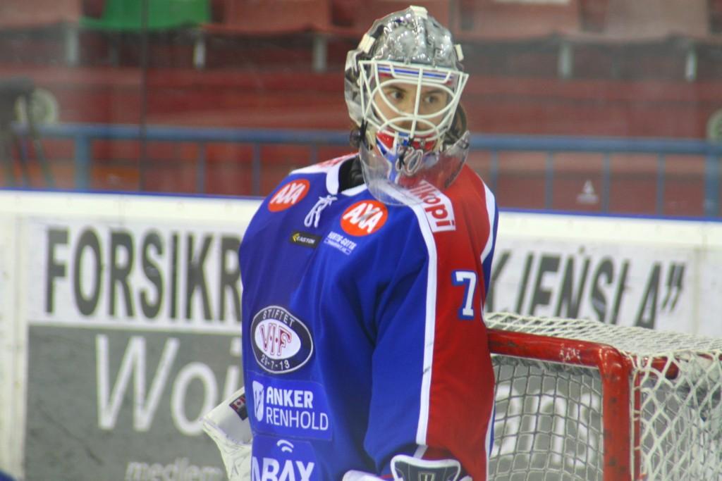 HOLDT NULLEN: Vålerenga-keeper Steffen Søberg slapp ingen pucker forbi seg i første NM-semifinale.
