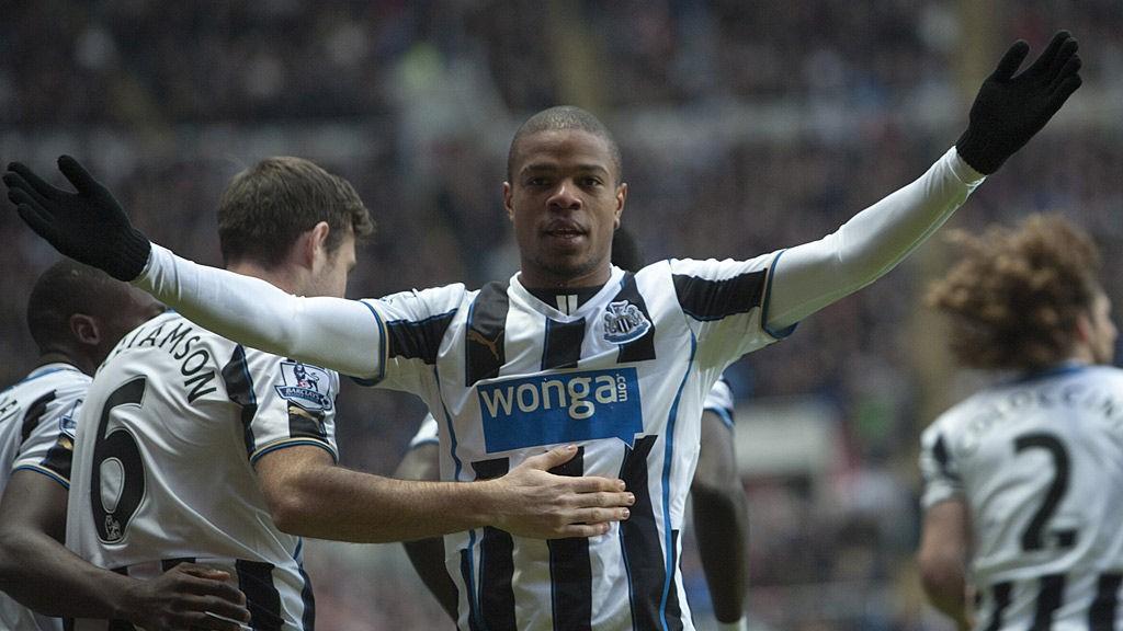 Toppscorer Loic Remy er en av flere Newcastle-spillere som må stå over hjemmekampen mot Crystal Palace i dag.