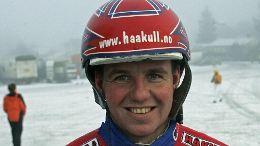 Åsbjørn Tengsareid kjører bankeren vår i Bergen i ettermiddag. Foto: hesteguiden.com