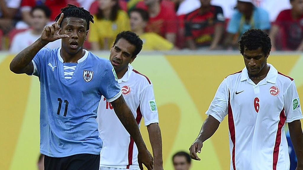 Abel Hernandez scoret mot Tahiti under prøve-VM og står også med tretten mål denne sesongen.