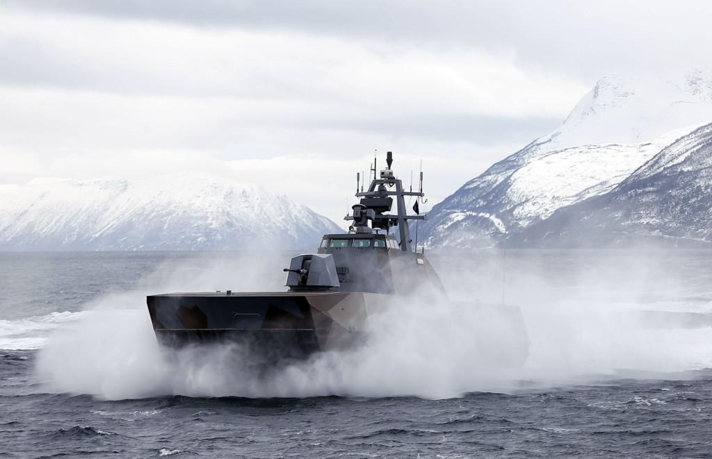 Den norske korvetten KNM Storm under vinterøvelsen Cold Response 2014 nylig. Norge innstiller nå alt bilateralt militært samarbeid med Russland.