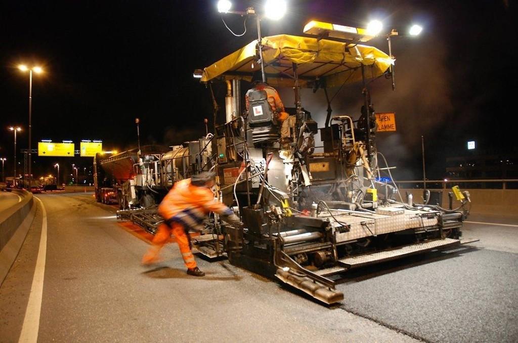 Mer asfalt: Høyre/Frp-regjeringen varsler at mer vei vil bli asfaltert i år enn i fjor.