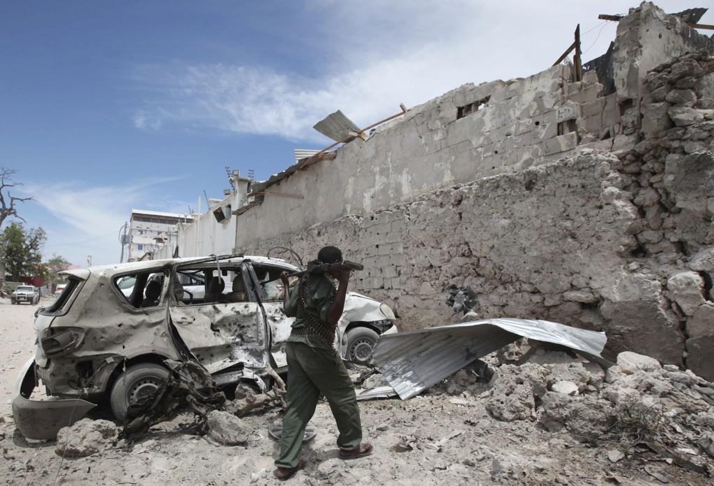 Islamistgruppen al-Shabaab har de siste årene gjennomført en rekke selvmordsaksjoner, som her utenfor et hotell i Mogadishu.