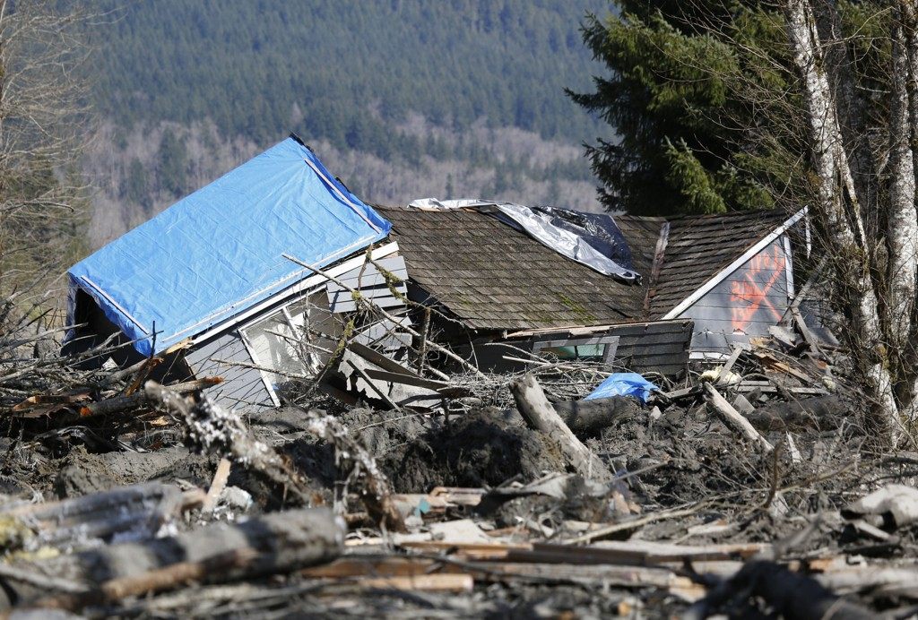 176 navn var inntil onsdag å finne på listen over savnede etter jordraset som rammet landsbyen Oso i Snohomish, knappe ti mil nordøst for storbyen Seattle. Nå er antallet savnede nedjustert til 90.
