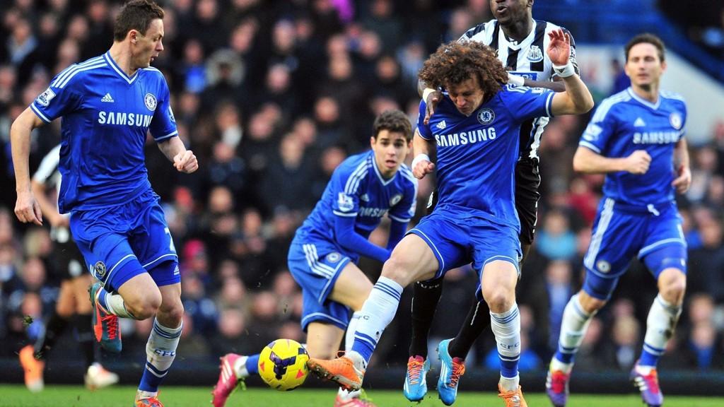 TIL BARCA: Det ryktes at David Luiz kan være på vei til Spania.