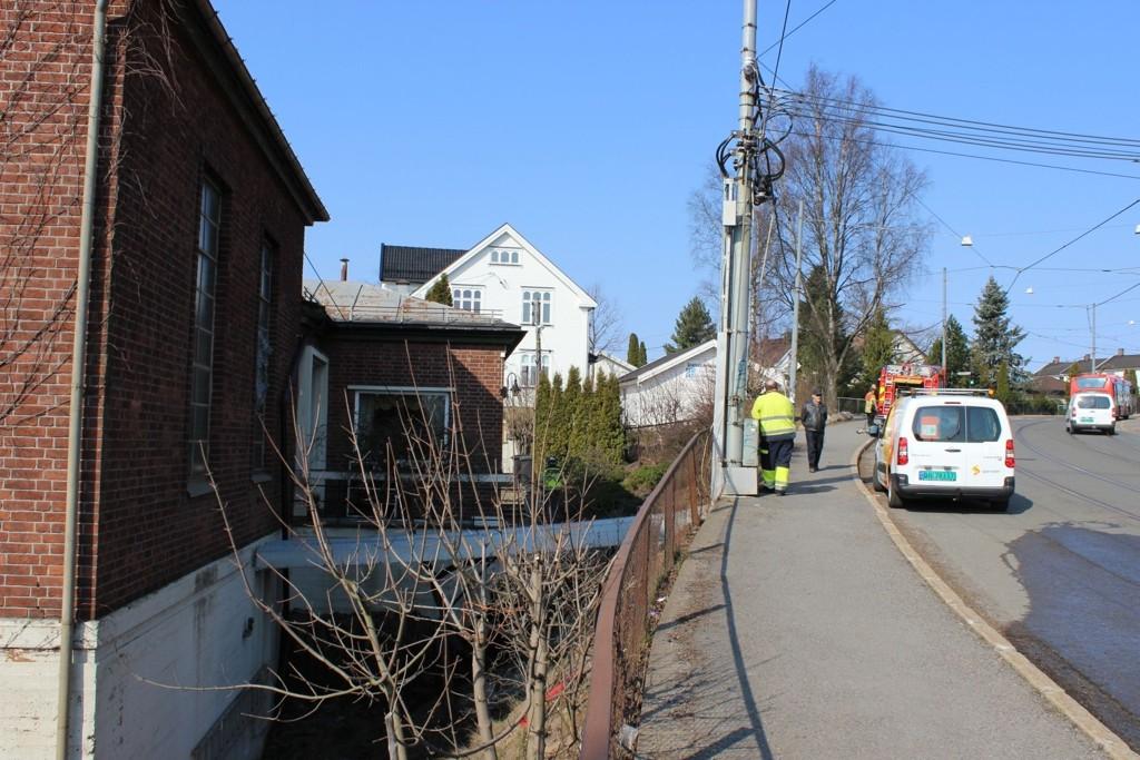 MANGLER STRØM: Branntilløpet i trafoen i Morells vei på Grefsen forårsaker strømstans fredag formiddag.