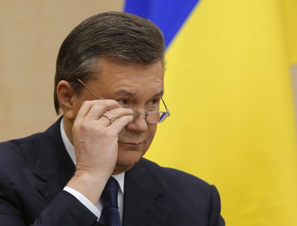 Ukrainas eks-president, Viktor Janukovitsj, ønsker folkeavstemninger i hele Ukraina for å avgjøre fremtidig status.