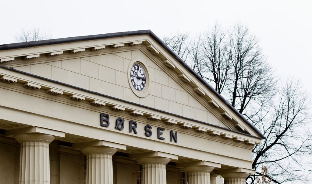 Oslo Børs stiger fredag formiddag.