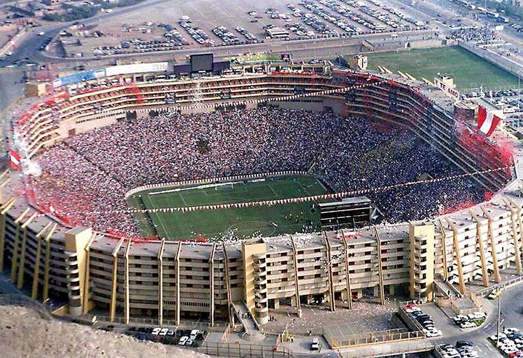 STENGT: Monumental stadion i Peru er stengt i 30 dager etter tragedien i Peru.