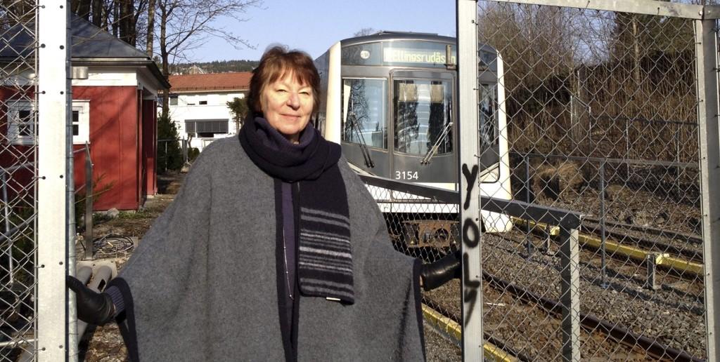 Marianne Borgen, leder av samferdsels- og miljøkomiteen, vil ikke gå inn for å bygge en midlertidig plattform på Gulleråsen stasjon. Foto: Vidar Bakken