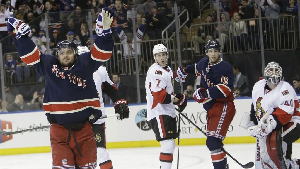 SCORET TO: Mats Zuccarello var på isen ved alle fem mål i kampen mot Ottawa. Målene til Rangers scoret han selv.