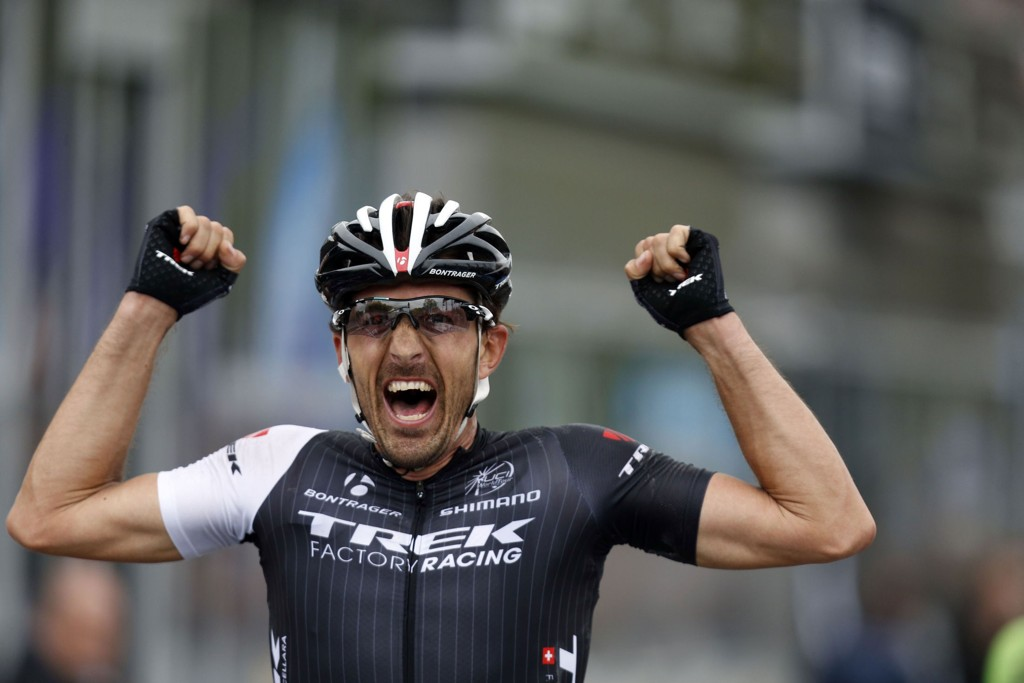 STERK OPPVISNING: Fabian Cancellara spurtet ned tre belgiske konkurrenter og vant Flandern rundt for tredje gang.