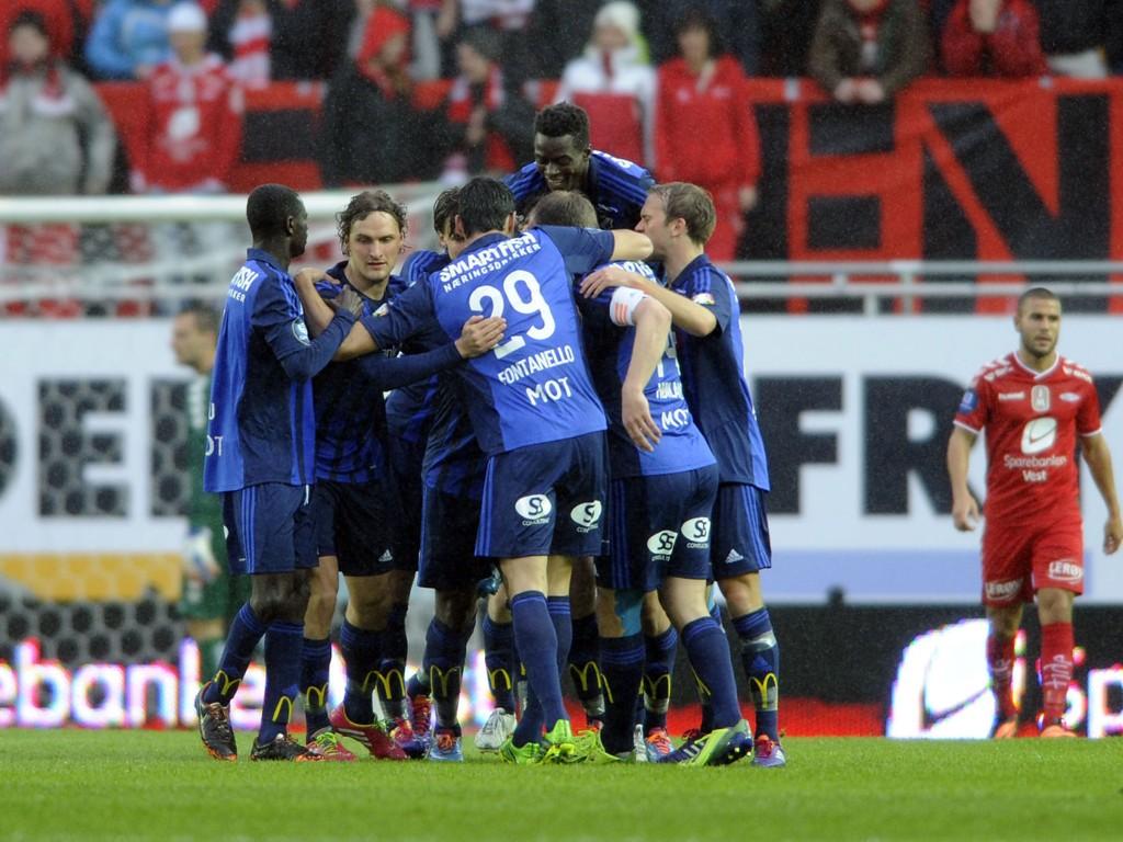 JUBEL: Franck Boli har her scoret kampens første mål for Stabæk borte mot Brann. Det skulle bli mer å juble for bærumslaget.