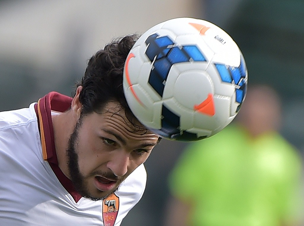 HAT TRICK: Mattia Destro gjorde det han blir betalt for mot Cagliari.