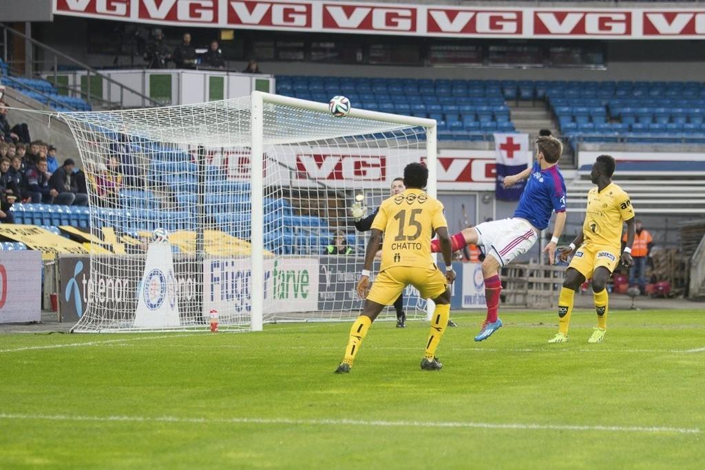 1-0: Vidar Örn Kjartansson setter inn 1–0 etter ett innlegg fra Diego Calvo. Kjarteinsson scoret to mål mot Bodø/Glimt.