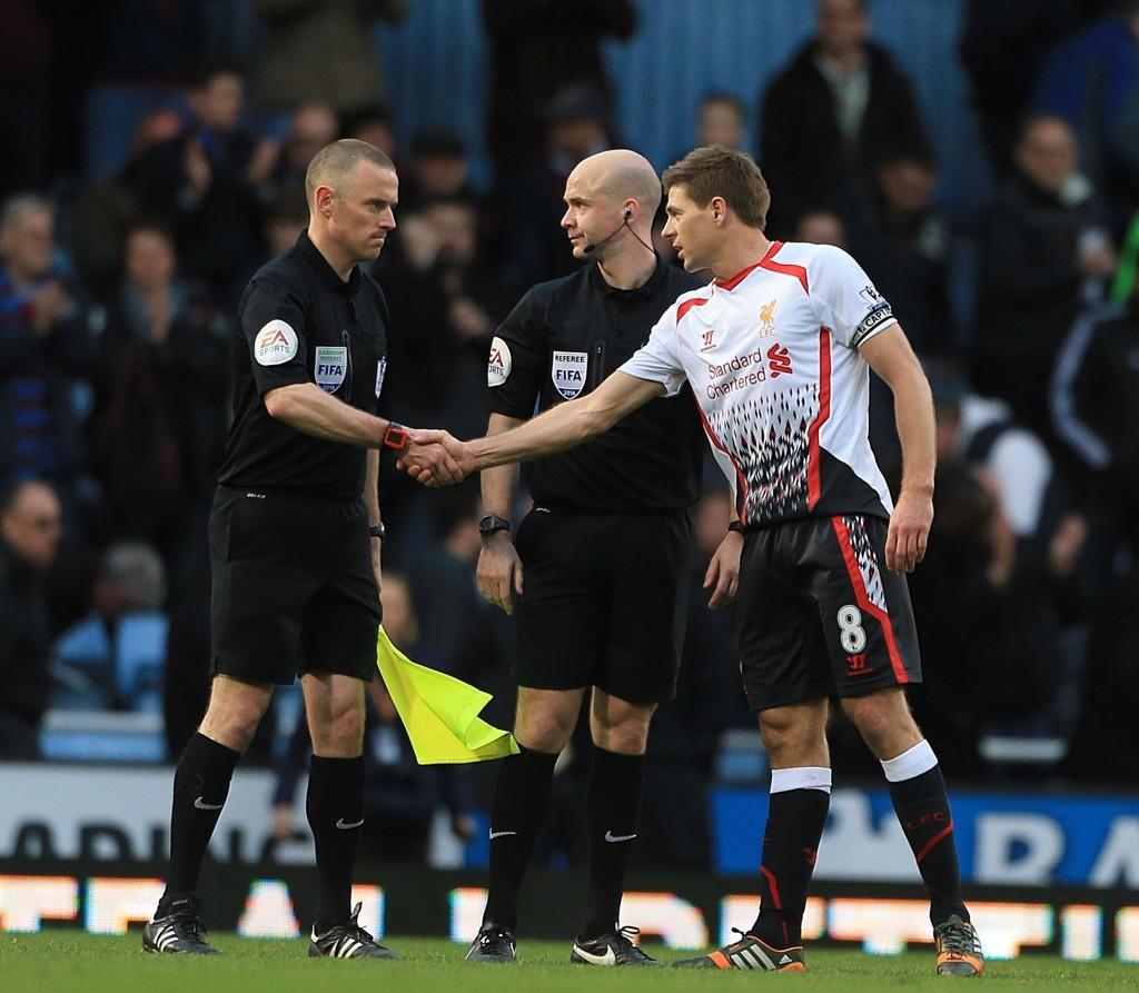 SCORET PÅ TO AV TO: Steven Gerrard tar de fleste straffene til Liverpool, og har fått rekordmange sjanser fra krittmerket denne sesongen.
