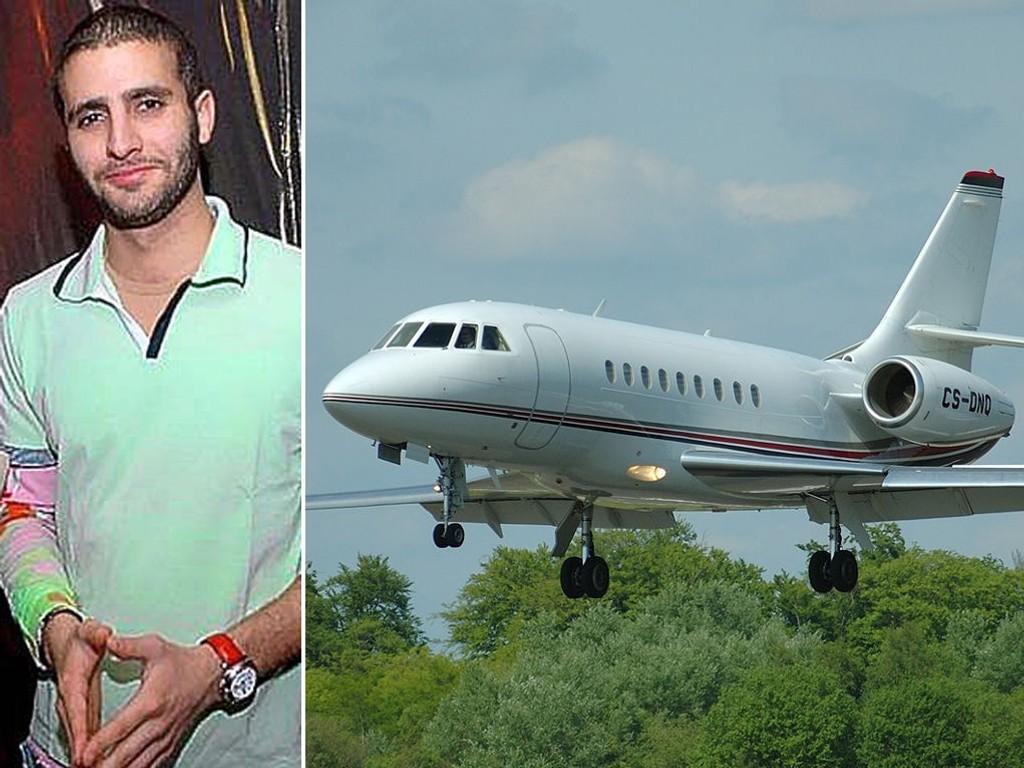 Faren til Farouk Abdulhak, Shaher Abdulhak, eier et privatfly av type Falcon 2000 (bildet).