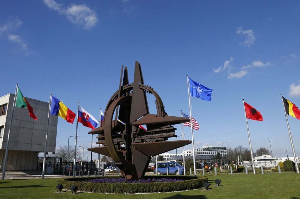NATO begrenser russiske tjenestemenns adgang til NATO-hovedkvarteret i Brussel.
