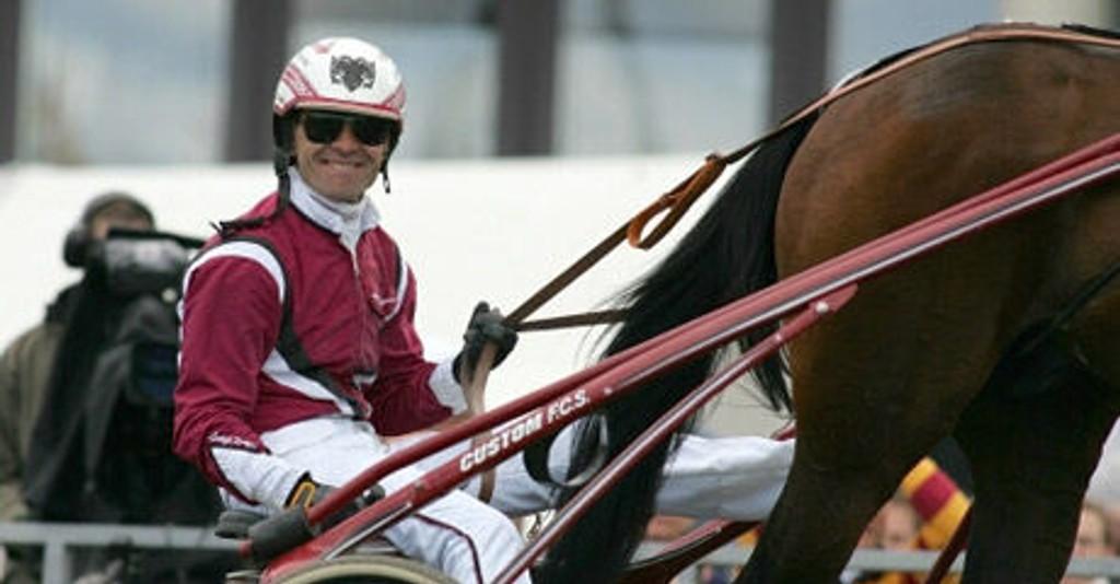 Lutfi Kolgjini kjører bankeren vår i Halmstad i ettermiddag. Foto: hesteguiden.com