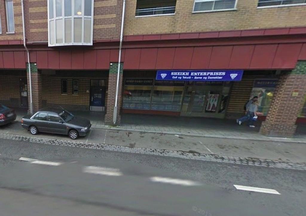 Sheikh Enterprises på Grønland i Oslo har ifølge arrestkjennelsen ikke hatt brukthandelbevilling, selv om butikken har handlet med brukt gull. Ifølge kjennelsen er butikken mistenkt for å ha unndratt moms, skatt og toll for 12,8 millioner kroner.