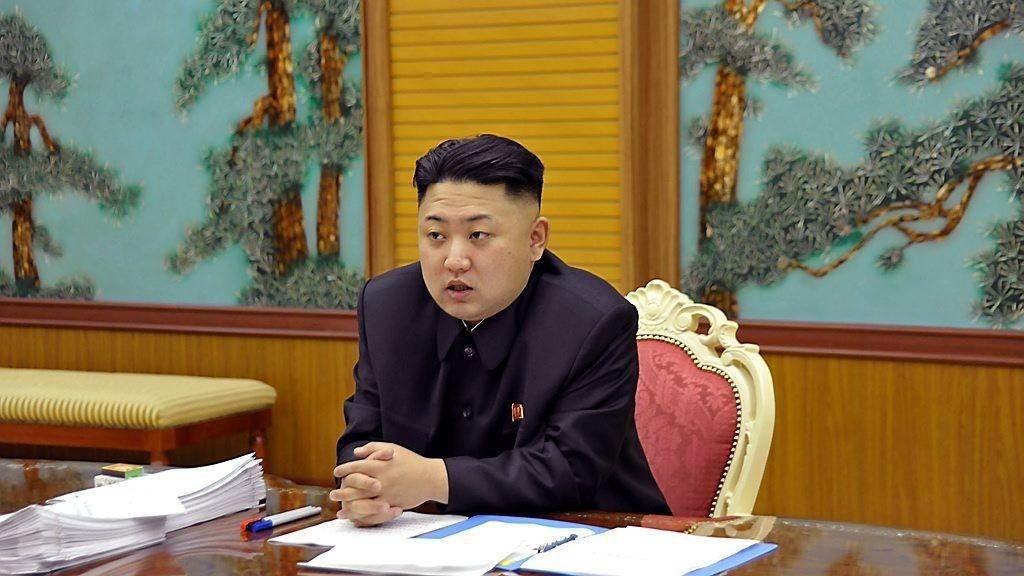 Nord Koreas diktator Kim Jong Un fortsetter å yppe seg mot naboen i sør.