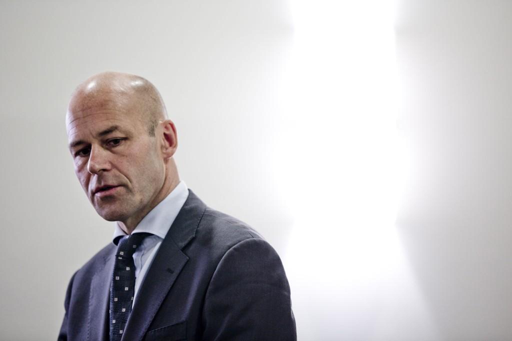 Tidligere politidirektør, Øystein Mæland, er ansatt som ny administrerende direktør ved Akershus universitetssykehus.