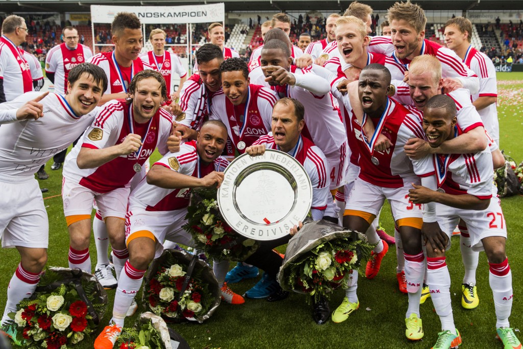 LIGATITTEL: Fran De Boer og hans Ajax kunne nylig juble for nok en ligatittel.