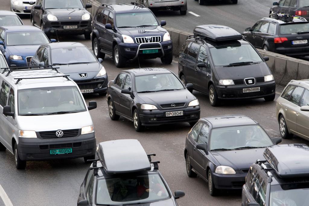 Norske veier overfylt av gamle biler som er både miljø- og sikkerhetsbomber.
