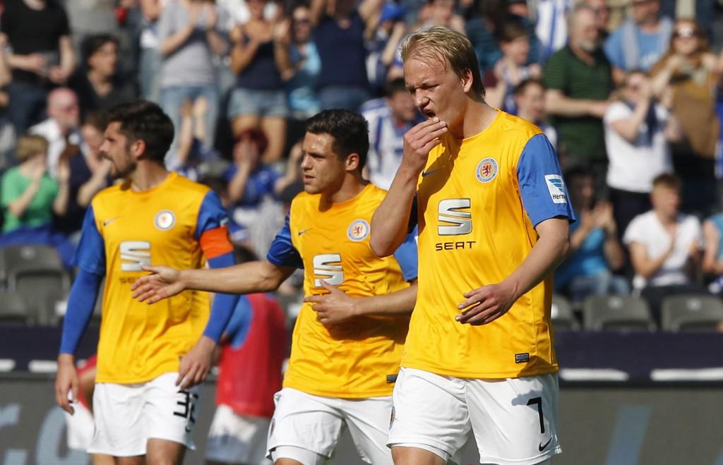 UAVGJORT: Håvard Nielsen og Eintracht Braunschweig klarte bare 0-0 hjemme mot Augsburg.