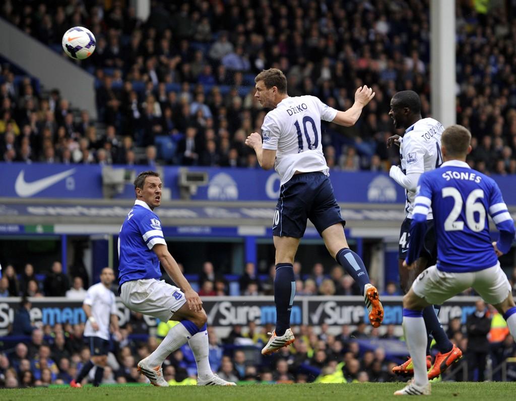 SCORET: Edin Dzeko scoret to mål mot Everton.