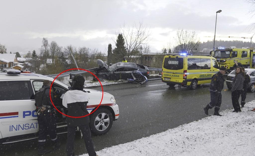 FULGTE INNSATSLEDER: TV-teamet som jobber i forbindelse med TV-programmet Nattpatruljen var blant de første på ulykkesstedet hvor Petter Northug krasjet sin Audi A7.