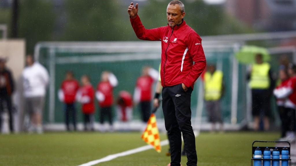 Lars Bohinen ledet laget da de kjempet om opprykk i fjor. Denne sesongen har det imidlertid vært tøft.