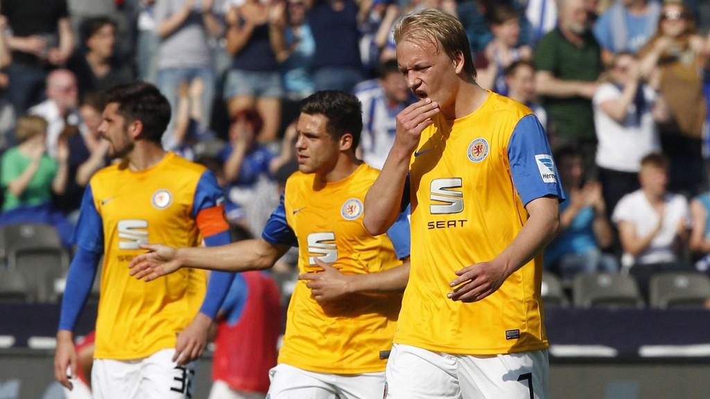 RYKKER NED: Eintracht Braunschweig og Håvard Nielsen rykket lørdag ned fra Bundesliga.