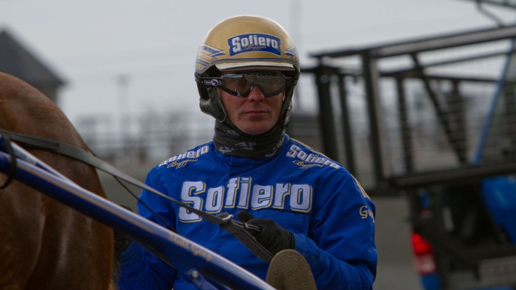 Bjørn Goop er kusk bak Nettavisens V65-banker i lunsjen på Solvalla i dag.