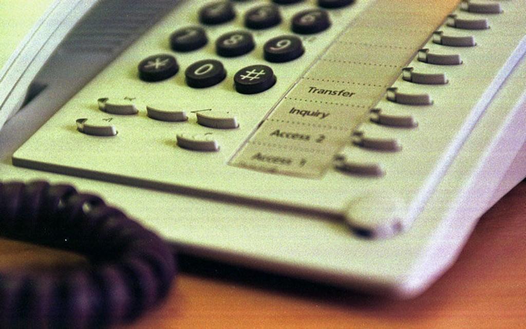LEVER VIDERE: For mange nordmenn er fasttelefonen en kjekk ting å ha.