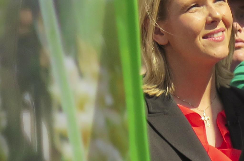 Frp-leder og finansminister Siv Jensen mener landruksminister Sylvi Listhaug bidrar til å heve Frp på måling.