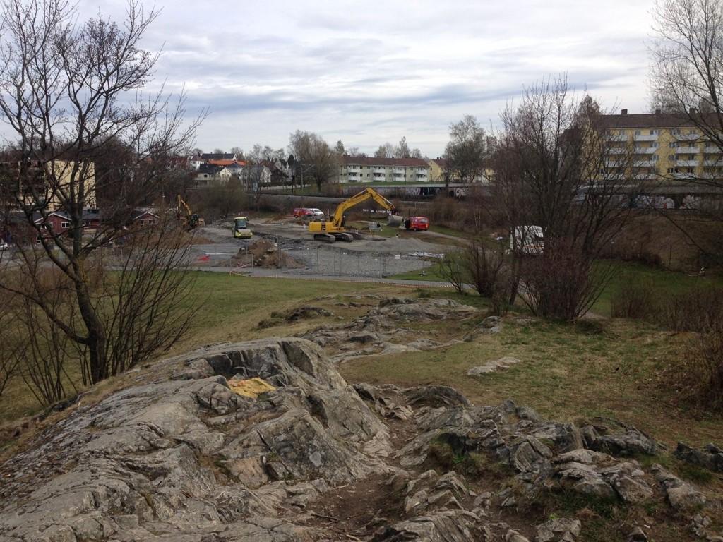 Bydelsutvalget vil ha barnehage på Ola Narr. Nå er det opp til fylkesmannen å avgjøre om utbyggingen skal fortsette.