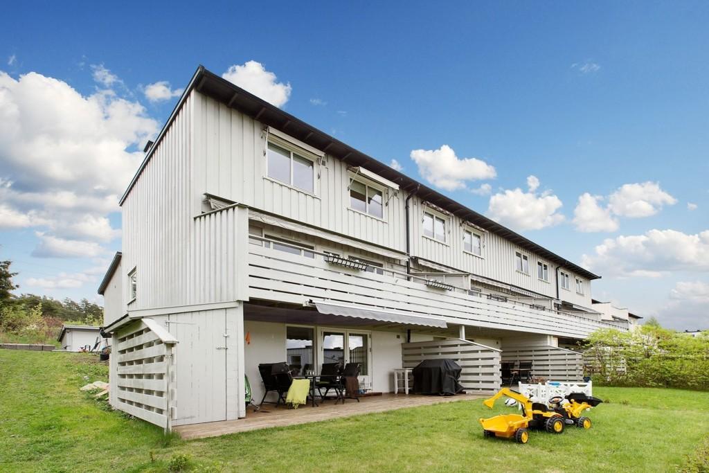 OVER TAKST: Rekkehuset på Manglerud var takstert til rekordpris og gikk likevel til 700 000 over takst.