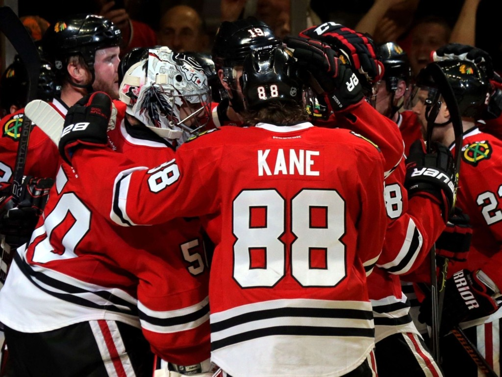 SENTRAL: Stjernespiller Patrick Kane hadde en finger med i det meste framover på banen da Chicago måtte vinne.