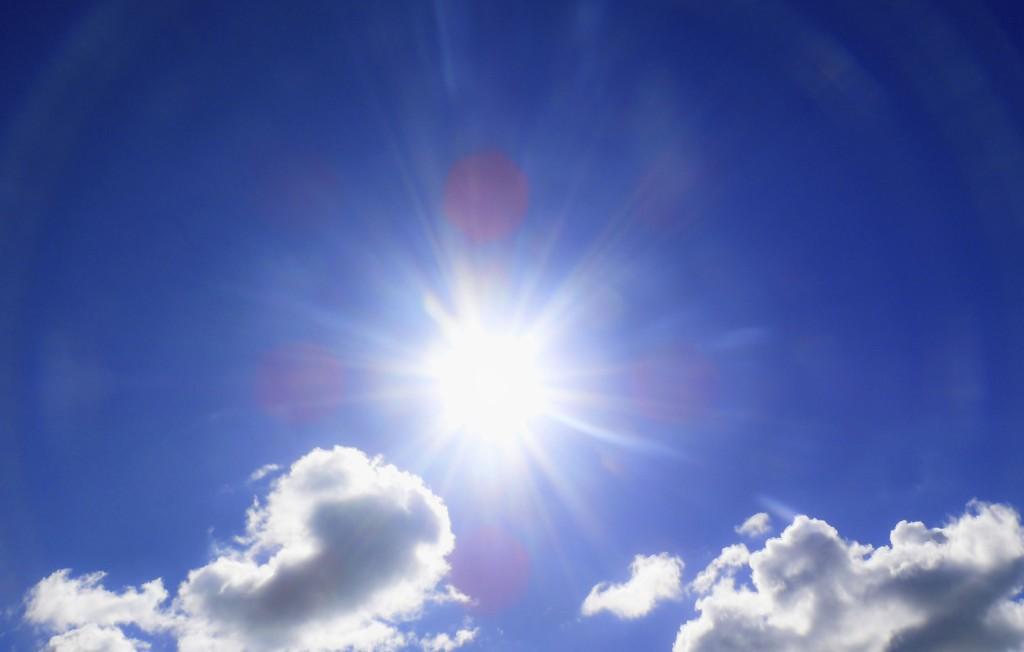 SE OPP FOR SOLEN: Meteorologens obs-varsel handler i all hovedsak om solkrem og solbriller.