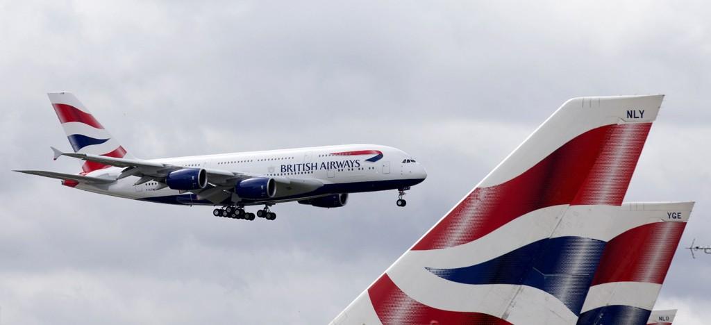 Ny dokumentar avslører at det anerkjente selskapet British Airways plasserte døde passasjerer på do. Nå flyttes de til første klasse.