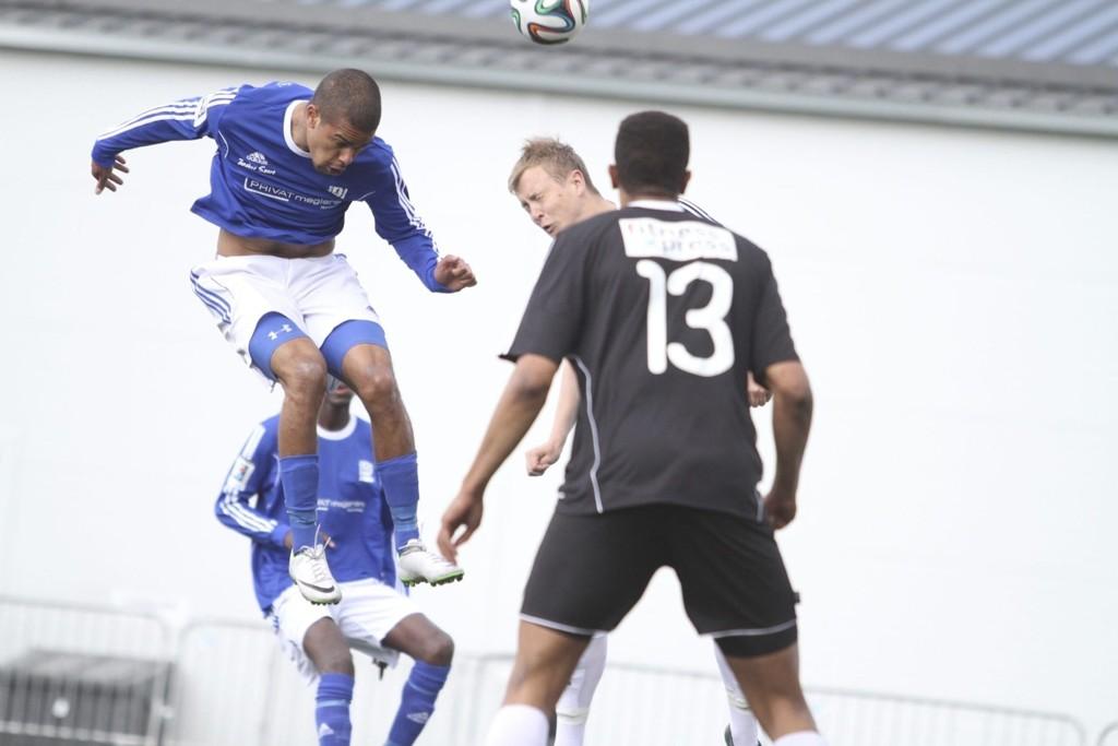PUNKTERTE MATCHEN: Victor André Ashby punkterte matchen på Halden stadion med sin 2-0 scoring snaue kvarteret før slutt.