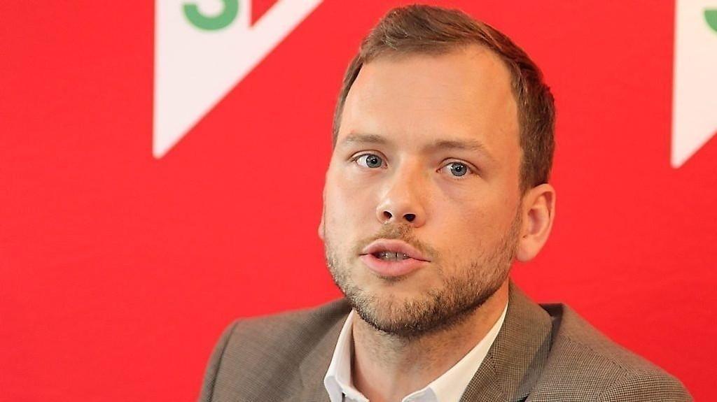 Audun Lysbakken vil at ingen i staten eller i statlig eide selskaper skal tjene mer enn statsministeren.
